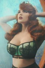 Emelda Ring Detail Satin & Lace Bra Emerald