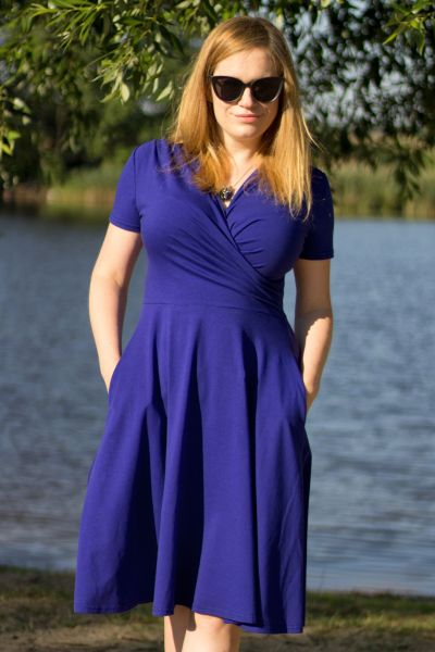 Urkye Koperta Dress with Short Sleeves Ultramarine Short sleeved jersey dress with a floaty a-line hem and pockets 34-46 O/OO, OO/OOO SU-031-NIE